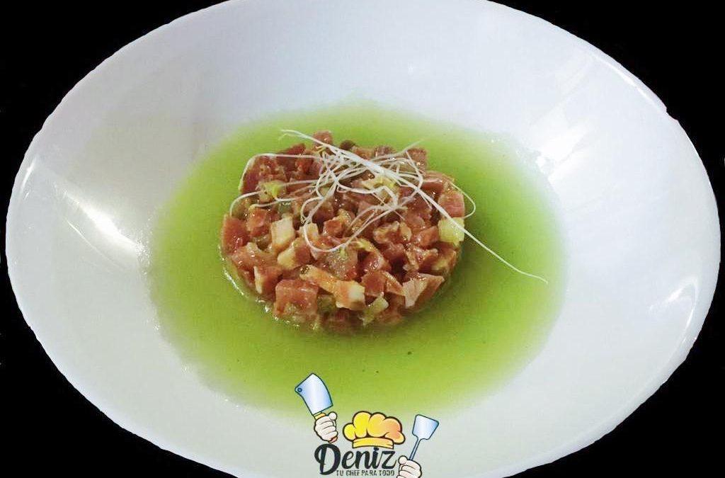 Tartar de jamón ibérico con sopa de melón